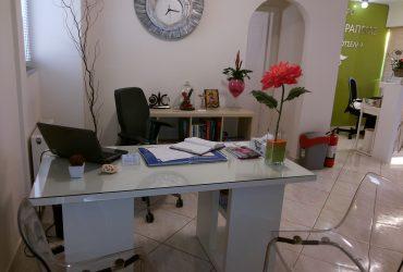 αίθουσα γραφείου φυσικοθεραπευτικού κέντρου